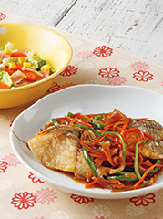 白身魚の焼き漬け/ベーコンとキャベツのコンソメ蒸し