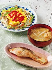 さけの西京漬焼き/ふんわり卵のせ野菜炒め/みそ汁