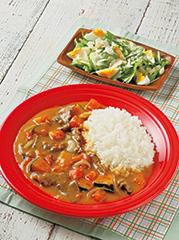 夏野菜のビーフカレー/たまごとアーモンドのサラダ