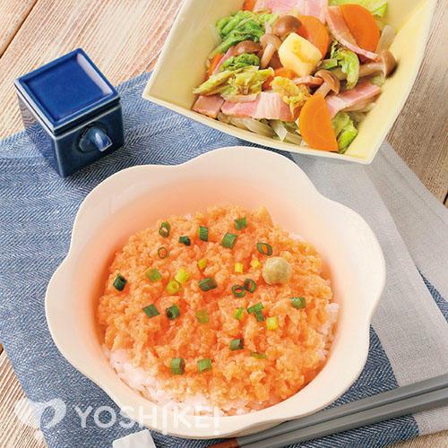 サーモンすきみ丼/ベーコンと野菜のレンジ蒸し