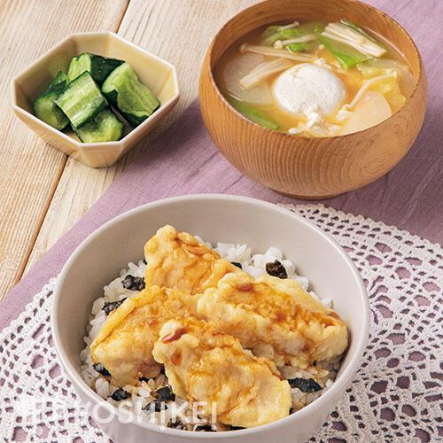 甘辛だれのやわらかとり天丼/落とし卵のおみそ汁/たたき胡瓜のもみ漬け