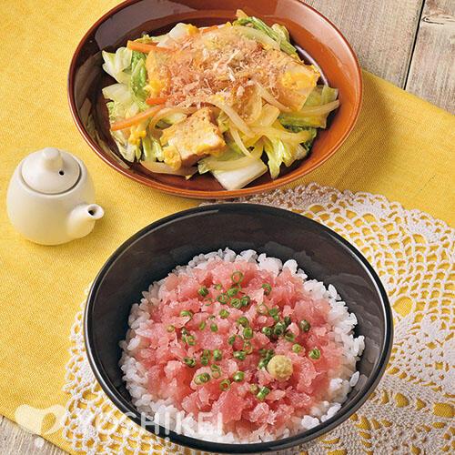ねぎとろ丼/生揚げと白菜のチャンプルー