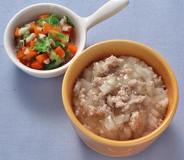 鶏そぼろ丼・きのこと野菜の煮びたし