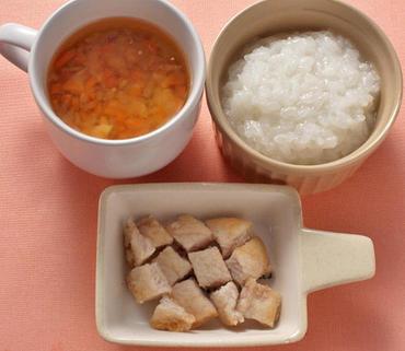 ころころチキン・お豆と野菜のスープ・おかゆ