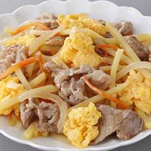 豚肉とじゃが芋のふわふわ卵炒め