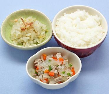 豚肉と野菜の煮もの・もやしのおひたし・おかゆ