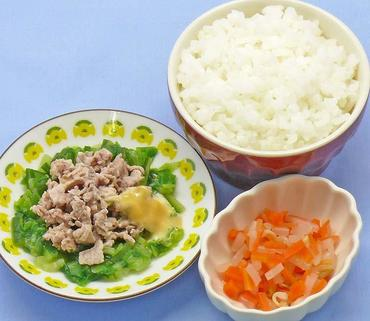 温豚サラダ・もやしと人参のやわらか煮・おかゆ