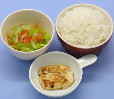 豆腐ステーキ・3色野菜のやわらか煮・おかゆ