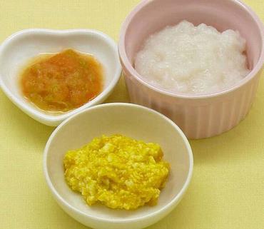 豆腐とかぼちゃのつぶしあえ・白菜と人参のやわらか煮・おかゆ