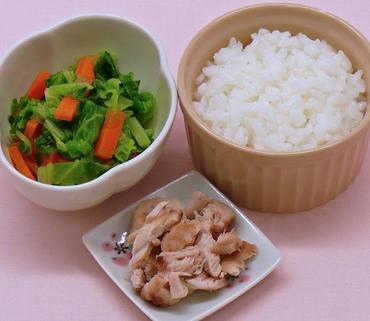 さばのムニエル・温野菜サラダ・おかゆ