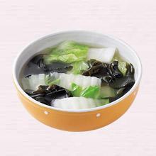 白菜とわかめのスープ