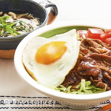 焼き肉ロコモコ丼