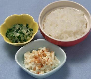 くずし豆腐・青菜と玉葱のやわらか煮・おかゆ