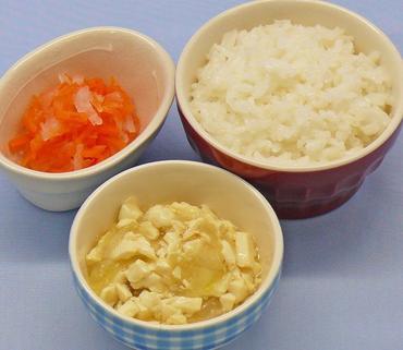 豆腐と玉葱のとろみ煮・二色あえ・おかゆ