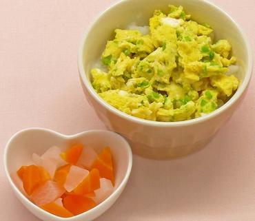 白菜の卵とじ丼・大根と人参の煮もの