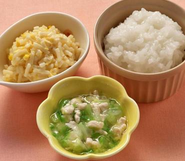 鶏肉と白菜のとろみ煮・スパゲティサラダ・おかゆ