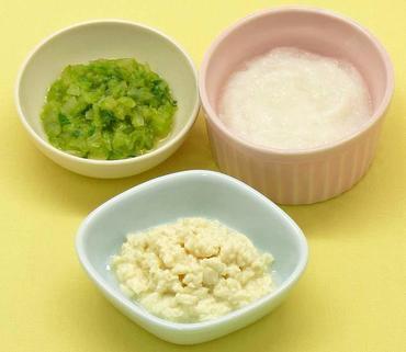 つぶし豆腐・白菜と玉葱のやわらか煮・おかゆ
