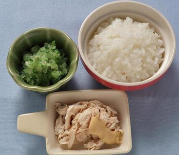 蒸し鶏・レタスと胡瓜のやわらか煮・おかゆ