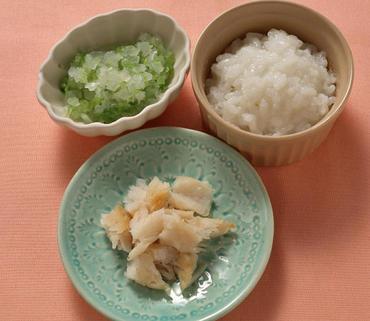 白身魚ソテー・キャベツと玉葱のやわらか煮・おかゆ