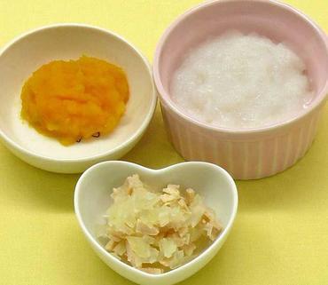 鶏肉と玉葱のレンジ蒸し・つぶしかぼちゃ・おかゆ