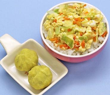 野菜入りたまご丼・おさつ茶巾