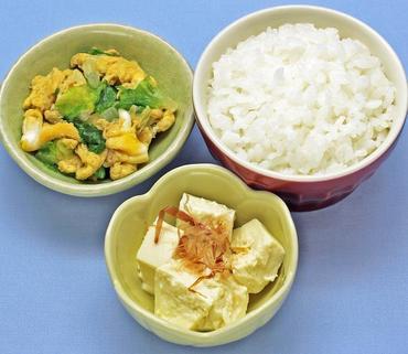 くずし豆腐・白菜の卵とじ・おかゆ