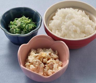 肉豆腐・白菜と水菜のやわらかあえ・おかゆ
