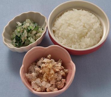 鶏肉と大根のやわらか煮・2色あえ・おかゆ