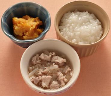 豚肉ともやしのやわらか煮・パンプキンサラダ・おかゆ