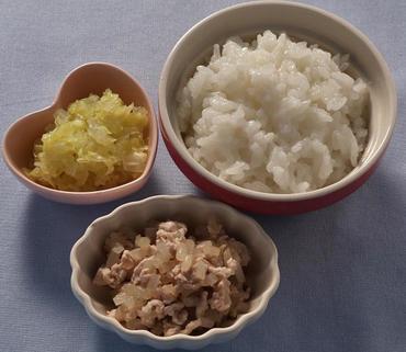 豚肉ともやしのやわらか煮・白菜の煮びたし・おかゆ