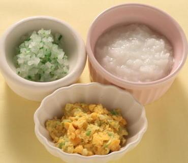 白菜の黄身あえ・胡瓜と大根のやわらか煮・おかゆ
