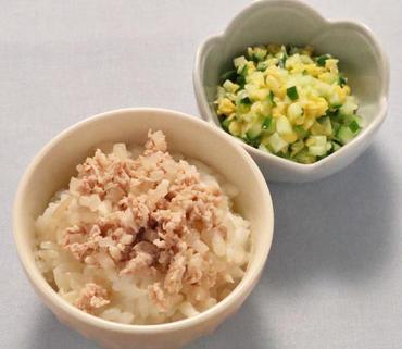 洋風豚丼・胡瓜のコーン煮