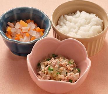 豚肉と野菜のやわらか煮・2色あえ・おかゆ