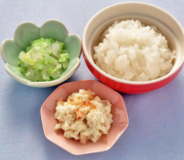 おかか豆腐・白菜と玉葱のやわらか煮・おかゆ