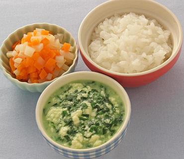くずし豆腐と青菜のとろみ煮・じゃが芋と人参のやわらかあえ・おかゆ