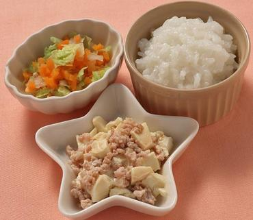 そぼろ豆腐・白菜と人参のやわらか煮・おかゆ