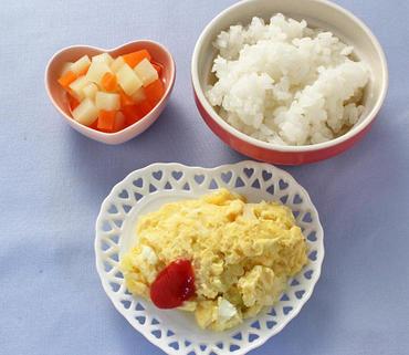 玉葱のオムレツ風・やわらかじゃが煮・おかゆ