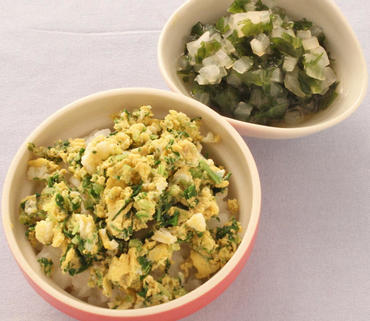 水菜の卵とじ丼・大根とわかめのやわらか煮