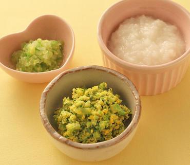 ブロッコリーの黄身あえ・白菜のやわらか煮・おかゆ