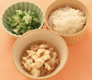 牛肉豆腐・水菜と玉葱のやわらかあえ・おかゆ