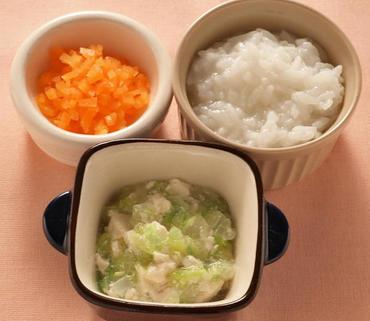 くずし豆腐と白菜のとろみ煮・人参の甘煮・おかゆ