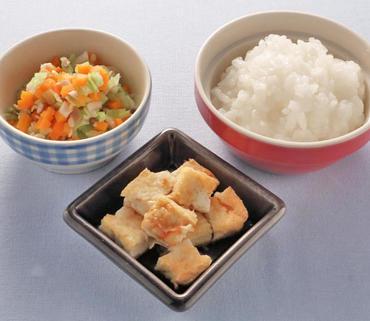 豆腐ステーキ・きのこと野菜の煮もの・おかゆ