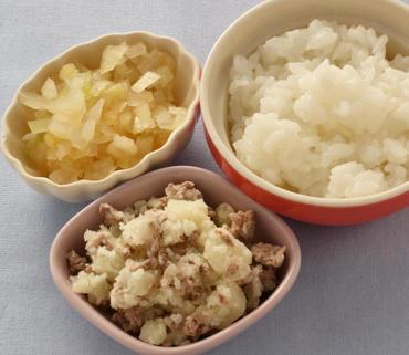 牛肉ポテト・玉葱のやわらか煮・おかゆ