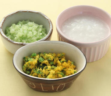 ブロッコリーの黄身あえ・胡瓜のやわらか煮・おかゆ