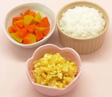 玉葱の卵とじ・かぼちゃと人参の煮もの・おかゆ