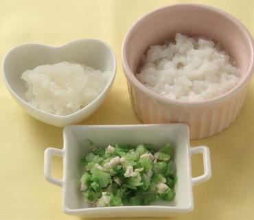 鶏肉と白菜のやわらか煮・とろとろ大根・おかゆ