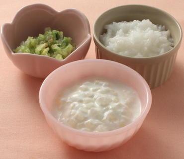 大根のヨーグルトあえ・白菜のやわらか煮・おかゆ