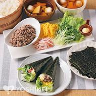 牛そぼろの彩り手巻き寿司